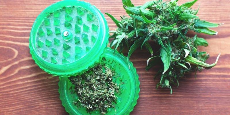 grinder marijuana sigarette