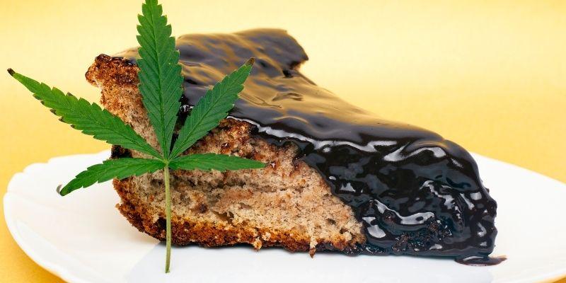 torta alla marijuana cioccolato space cake
