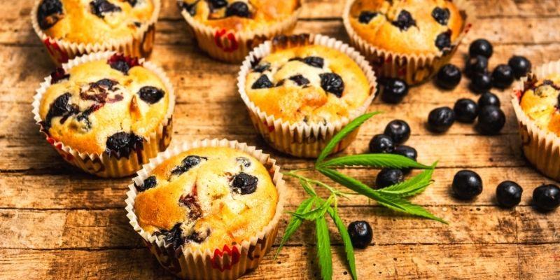 muffin alla marijuana e frutti rossi